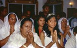INNE2001-Devote Hindoevrouwen - versie 2
